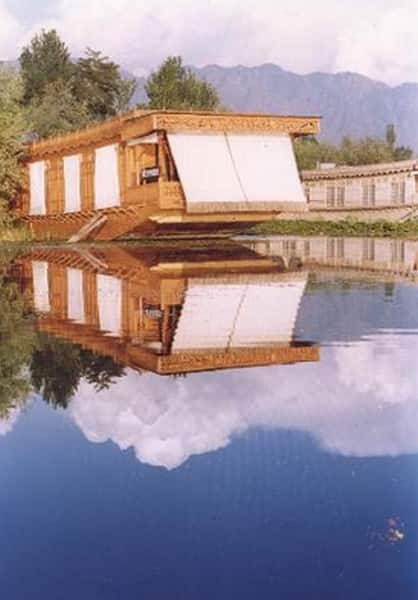 New York Houseboats, Nagin Lake, New York Houseboats