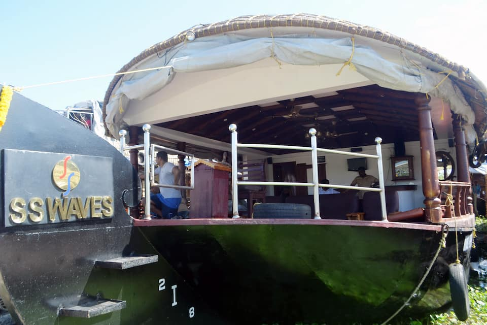 SS Waves Houseboat, , SS Waves Houseboat