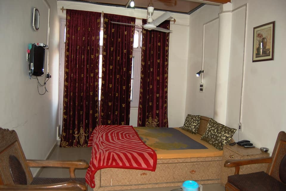 Hotel Diamond, Lal Chowk, Hotel Diamond