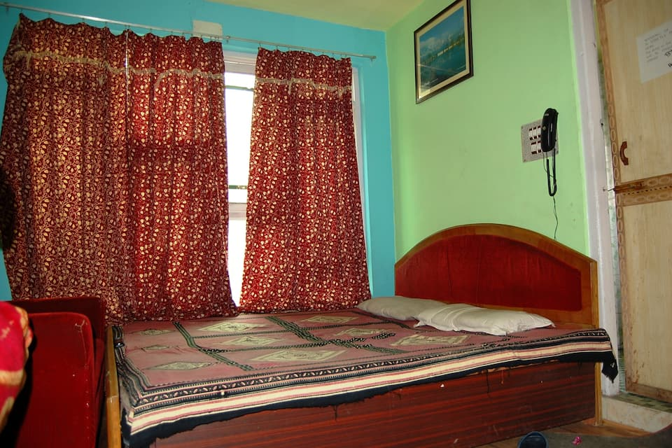 New Gousia Guest House, Dalgate, TG Stays Baba Dharam Dass Road