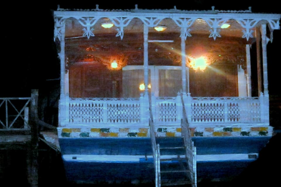 Kings Paradise Houseboat, Dal Lake, Kings Paradise Houseboat