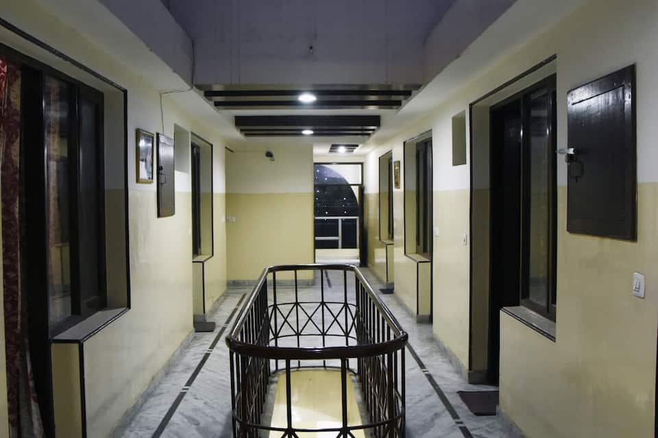 Hotel Grand Regal, Madhya Marg, Hotel Grand Regal Madhya Marg