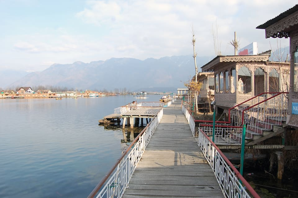 New Maxico Houseboat, Dal Lake, New Maxico Houseboat