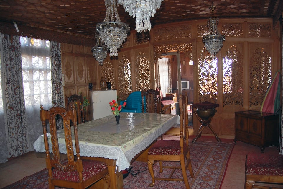 Firdos Houseboat, Dal Lake, Firdos Houseboat