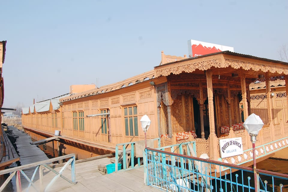 Queen Of Africa Houseboat, Dal Lake, Queen Of Africa Houseboat