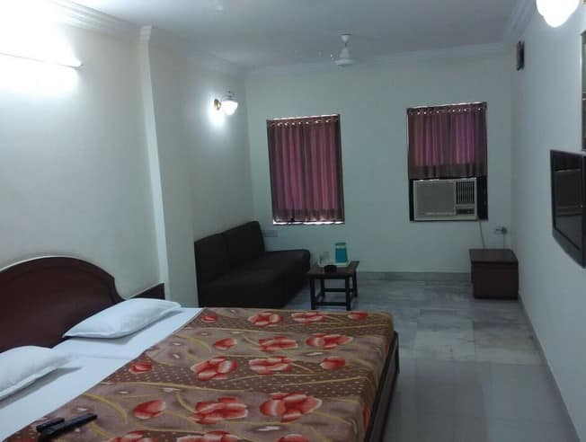 Nadars Family Paying Guest, Cantonment, Nadars Family Paying Guest