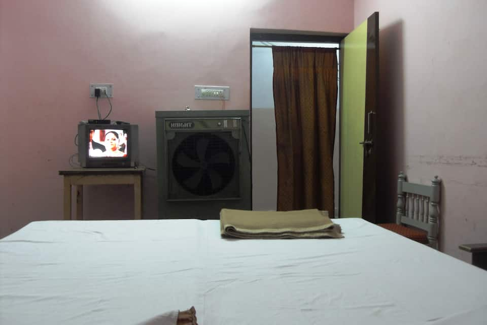 Hotel 4 Seasons, MP Nagar, Hotel 4 Seasons
