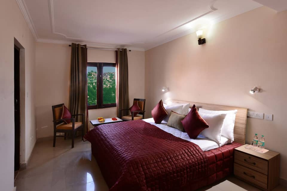 Semi Deluxe Double Room with Breakfast