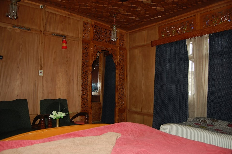 Cypress Queen Houseboat, Dal Lake, Cypress Queen Houseboat