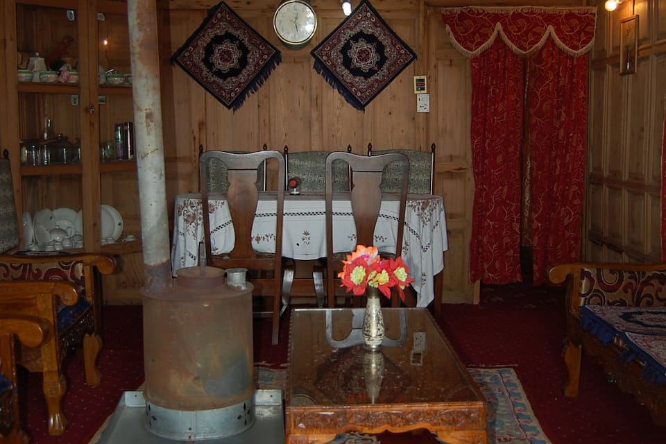 Hari Palace Houseboat, Dal Lake, Hari Palace Houseboat