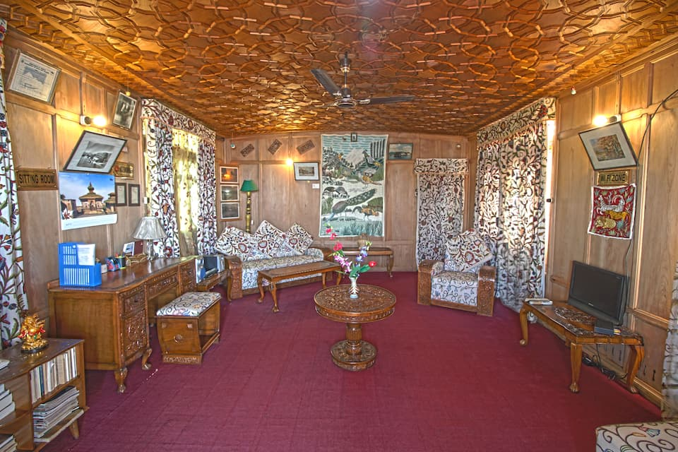 New Golden Flower Heritage Houseboat, Nagin Lake, New Golden Flower Heritage Houseboat