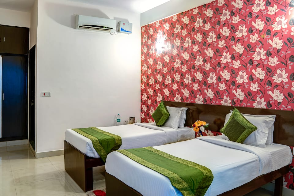 Treebo White Inn, Fatehabad Road, Treebo White Inn