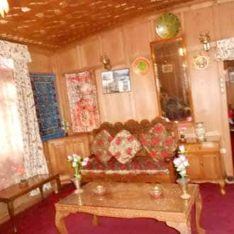 Young Sabeena Houseboat, Dal Lake, Young Sabeena Houseboat