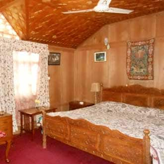 New Sabeena Houseboat, Dal Lake, New Sabeena Houseboat