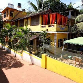 Yellow House Apartment, Calangute, Yellow House Apartment