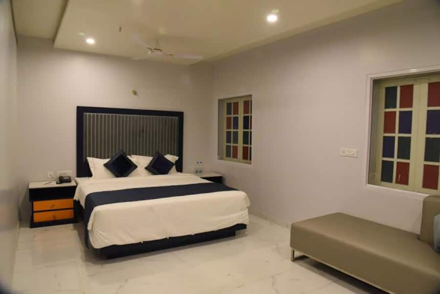 Olivotel, none, Regenta Inn Vadodara by Royal Orchid Hotels