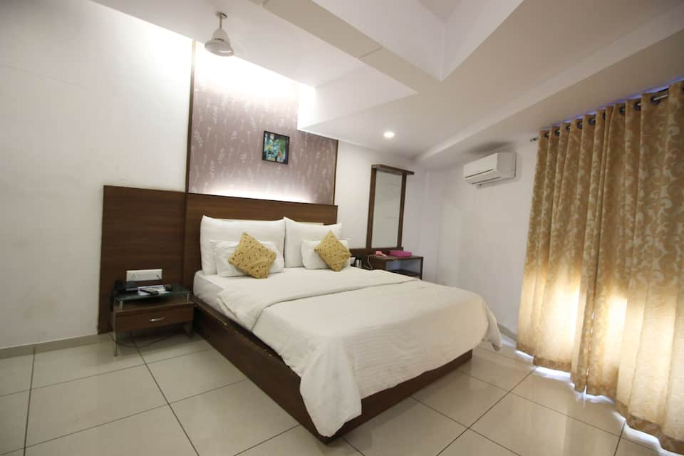 Super Saver 3 Star Navrangpura, Navrangpura, Super Saver 3 Star Navrangpura