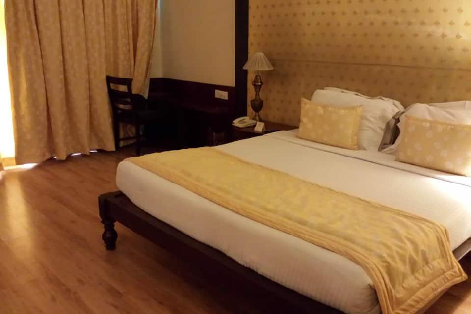 Super Saver 4 Star Tajganj, Taj Nagari Crossing, Super Saver 4 Star Tajganj