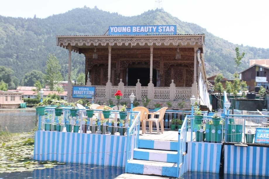 Young Beauty Star Houseboat, Dal Lake, Young Beauty Star Houseboat