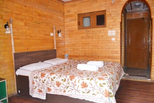 Double Deluxe Room with Breakfast