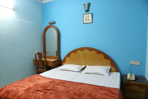 Hotel Tribhovan Palace, Karol Bagh, Hotel Tribhovan Palace