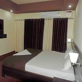Semi Deluxe Double Room Room Only (Non Ac)