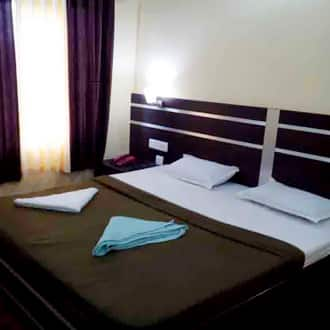 Deluxe Double Room (AC)