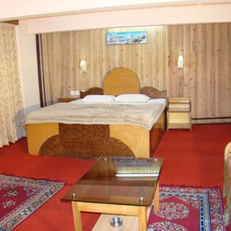Super Deluxe Triple Room With Breakfast