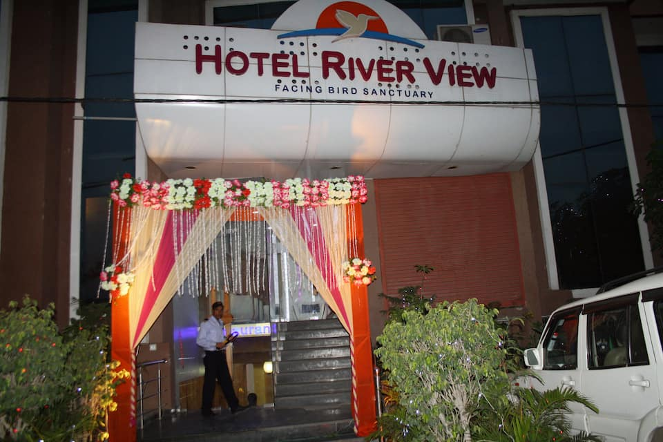 Hotel River View, Okhla, Hotel River View