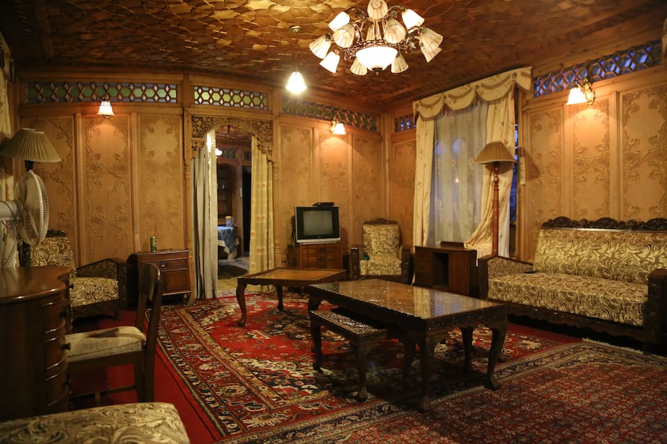 Khar Palace Houseboat, Dal Lake, Khar Palace Houseboat