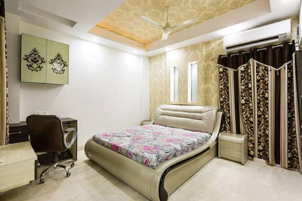 The Penthouse, Shahdara, The Penthouse