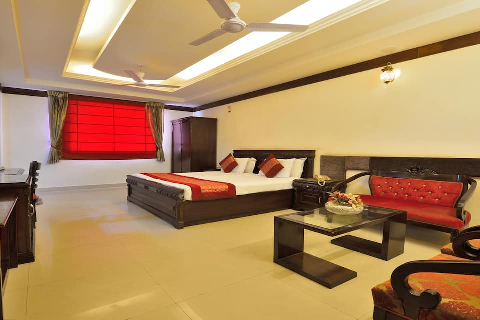 Hotel Clark Heights, West Delhi, Hotel Clark Heights