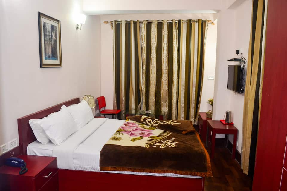 Hotel Red Cherry Residency, MG ROAD, Hotel Red Cherry Residency