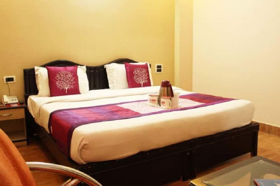 Hotel LG Residency, Avdhoot Mandal Ashram Road, Hotel LG Residency