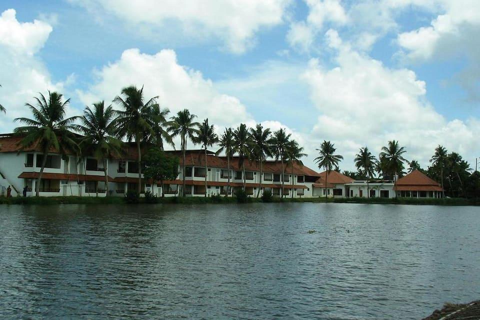 Manor Back Water Resort, Cheepunkal, Manor Back Water Resort