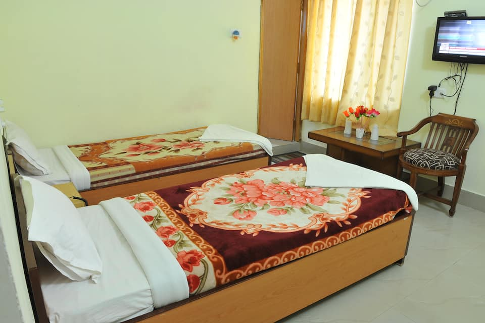 AC Deluxe Twin Bed Room Only
