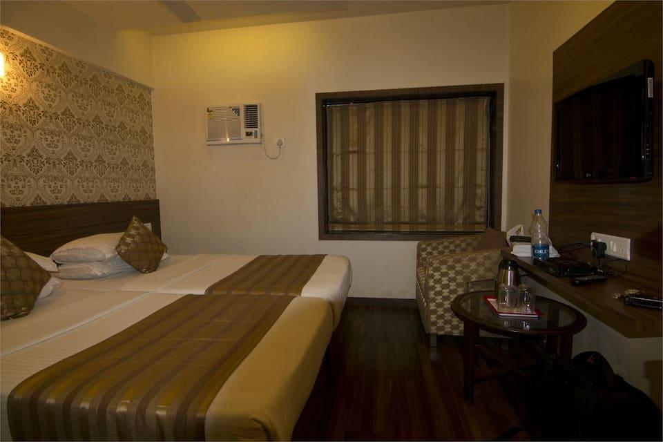 Rajhans Hotel, Chembur, Rajhans Hotel