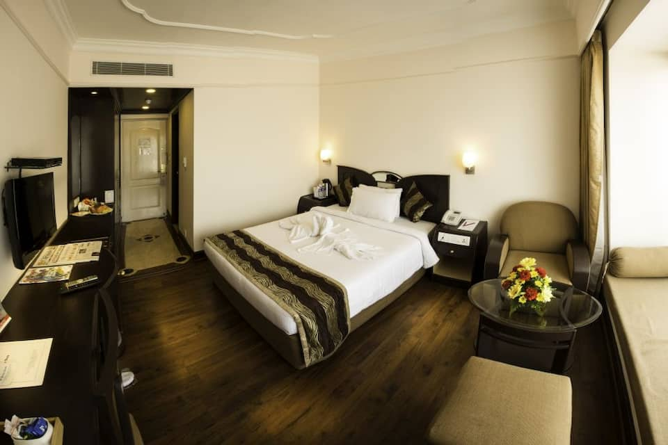 Executive Double With Breakfast / Wifi / GYM