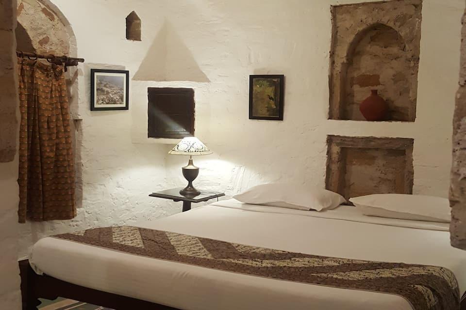 The Dadhikar Fort, Delhi Jaipur Road, The Dadhikar Fort