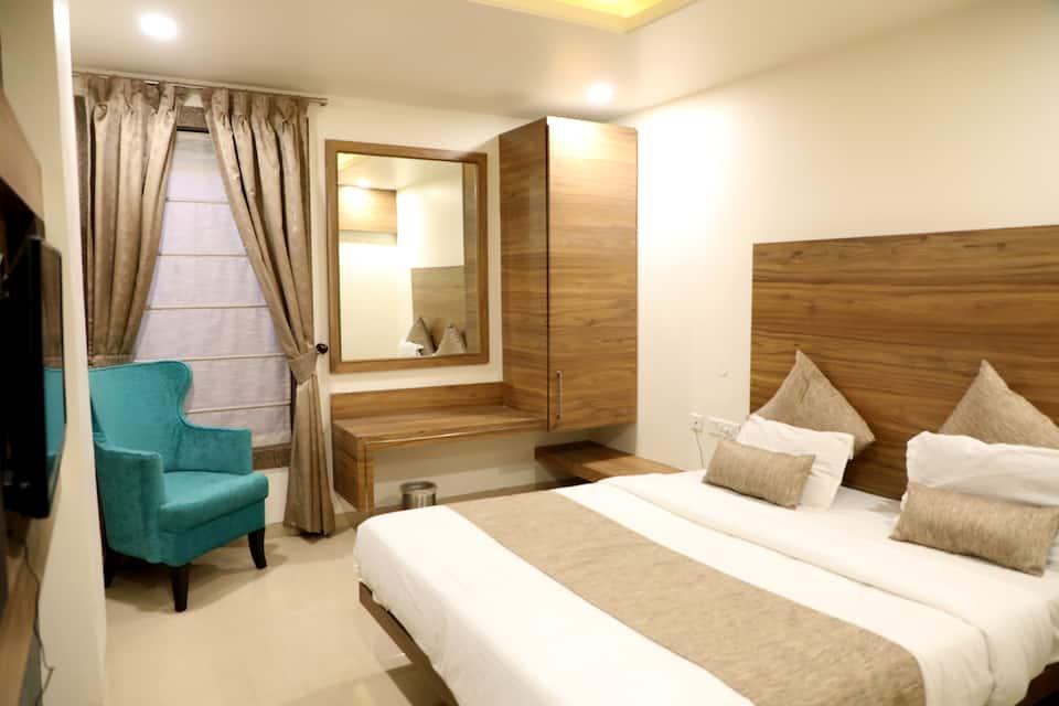 Adarsh Palace Hotel, Hamidia Road, Adarsh Palace Hotel