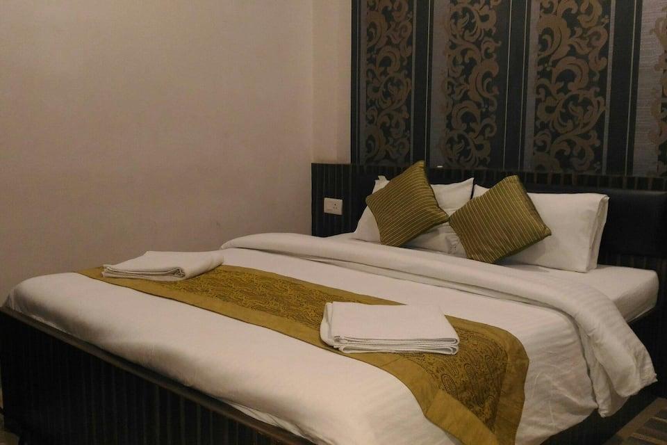 SSJ International Hotel, Charbagh, SSJ International Hotel