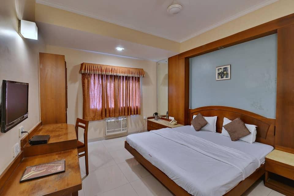 Hotel G-Shy, MP Nagar, Hotel G-Shy