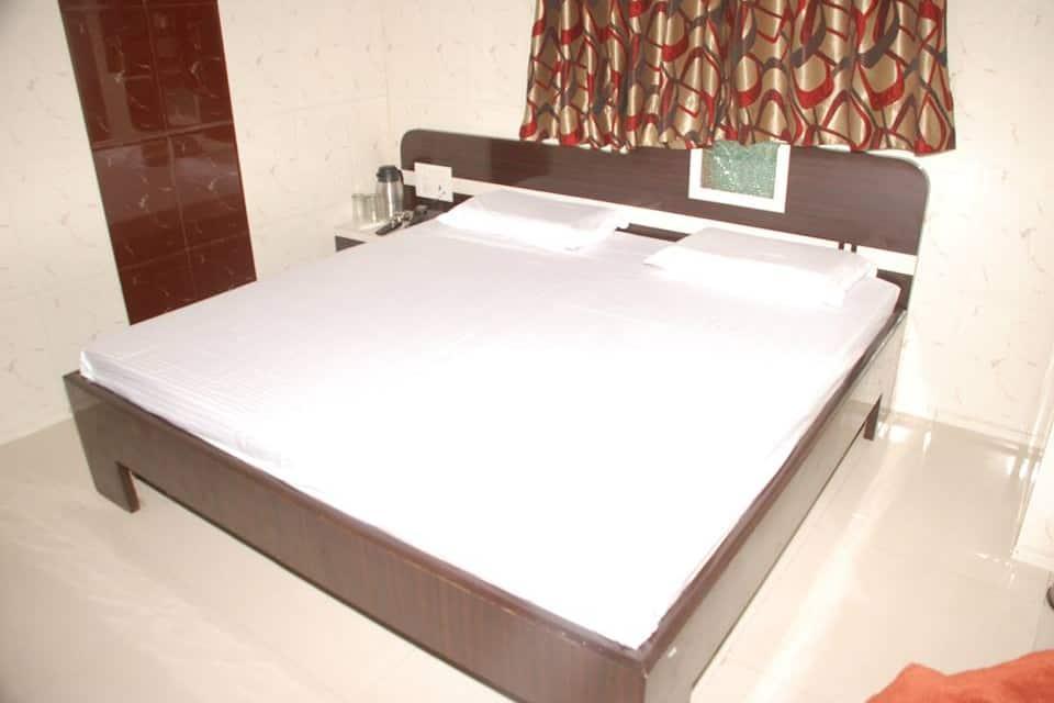 Hotel Dev Palace, Dargah Road, Hotel Dev Palace