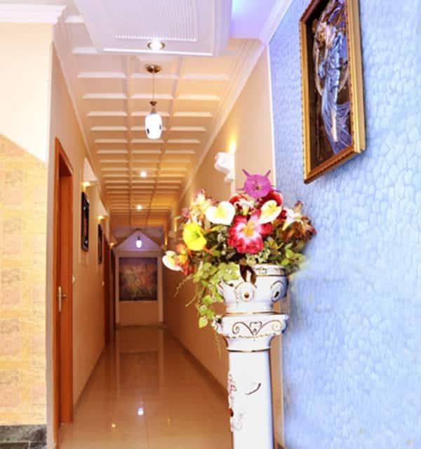 Hotel Queen, Nirajani Akhara Bagh, Hotel Queen