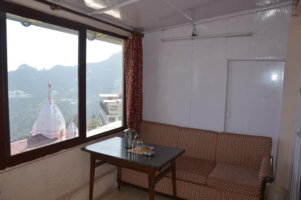 Whispering Windows Hotel & Restaurant, Gandhi Chowk, Whispering Windows Hotel  Restaurant