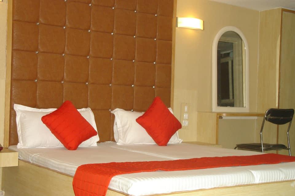 Hotel Nanda, Near Railway Station, Hotel Nanda