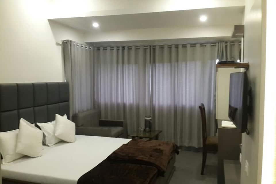 Hotel Oasis, Fort, Hotel Oasis