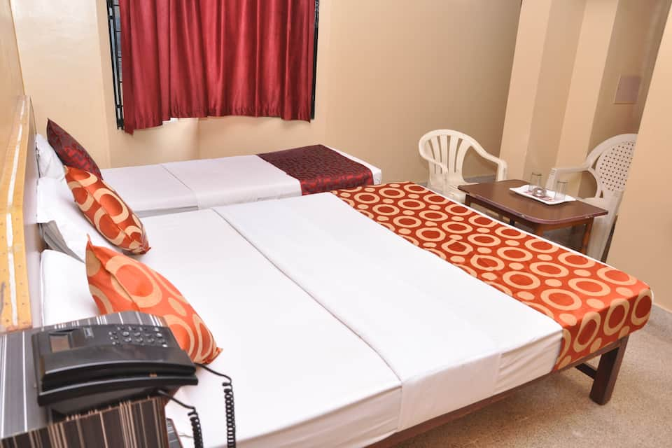 Shivaguru Comforts, Near Mysore Palace, Shivaguru Comforts