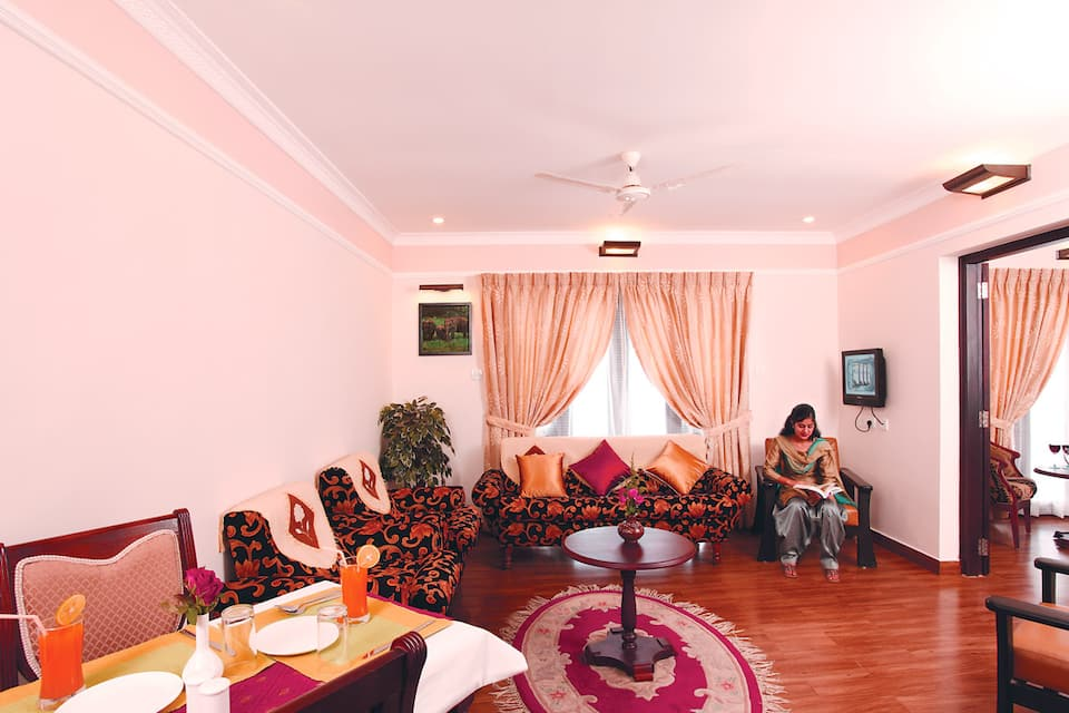 Grand hotel Thekkady, Room Starts @ ₹ 2300 - Hoteldekho
