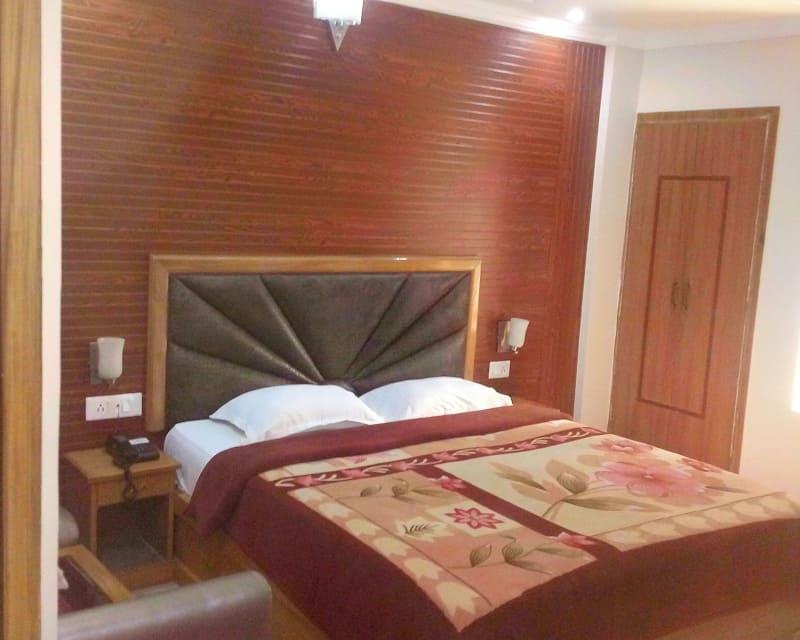 Hotel Calista, Patel Nagar, Hotel Calista